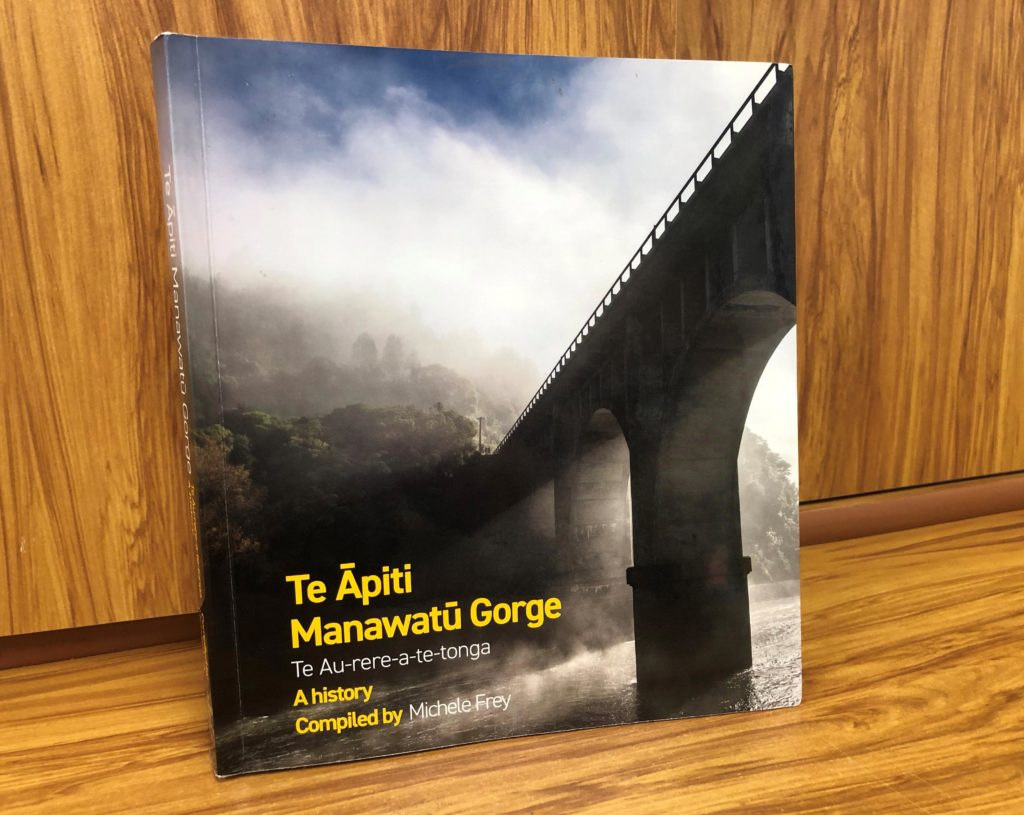 Te Āpiti – Manawatū Gorge celebrated in new book